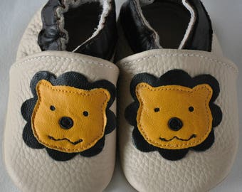 Handmade lion soft sole leather shoes/slippers