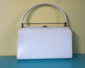 Vintage White Top Handle Bag // vinyl // 60s