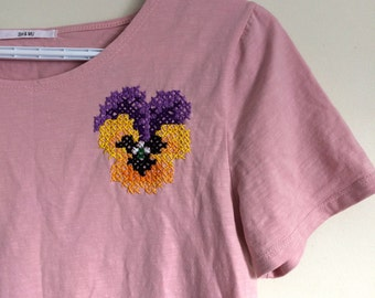 Cross-Stitch Lover tshirt! (hand-embroidered)