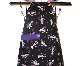 Kids Apron Halloween Ages 3 to 8 Halloween Mummies Spiders Reversible Adjustable