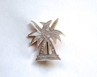 Vintage Carved Mother of Pearl Palm Tree Pin/Brooch! 1950's Costume Jewelry-Unusual piece!