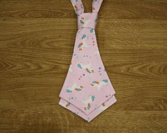 Tie to unicorns for women or girls pattern