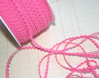 "HOT PINK Mini Rick Rack - Sewing Crafting Ric Rac Trim - 11/64"" Wide - 10 Yards"