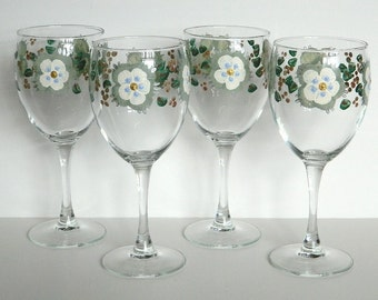 Moss Green Cream Color Flowers set of 4 Wine Glasses