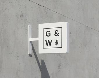 George & Willy Sqaure Sign - White