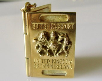 9ct Gold UK Passport & Papers Charm Opens