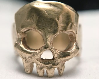Phantom ring, unique one if a kind statement skull ring
