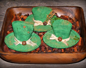 Primitive Leprechaun Hats ~ St Patrick's Day Decor ~ Bowl Fillers ~ Irish Ornaments ~ Irish Decorations ~ Green Decorations ~ Shelf Sitters