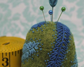 IN STOCK - Feather fronds L Bottlecap Pincushion  free usa ship