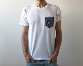 Handmade pocket T-shirt - blue flowers