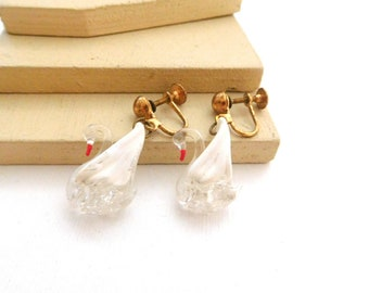 Vintage Painted White Clear Hand Blown Glass Swan Screw Back Earrings K30