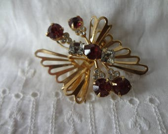 Brooch with Rhinestones Gold Tone Retro from the Mid Century