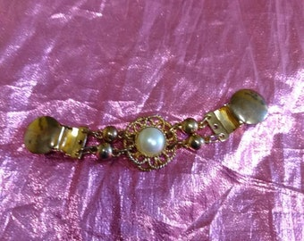 Pearl sweater clips