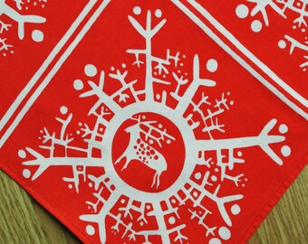 Swedish retro vintage 1970s printed cotton tabelcloth with white Christmas snowflake/ reindeer decor motives on red bottomcolor