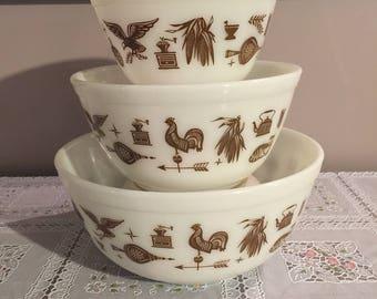 Vintage pyrex Early American bowl set
