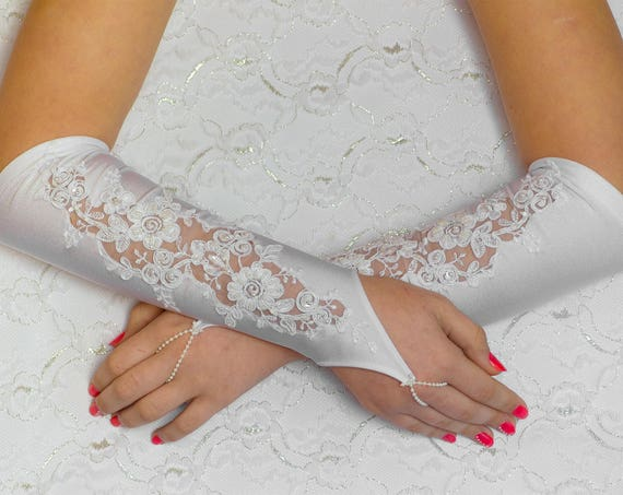 Fingerless Gloves, white satin lace gloves, Bridal Wedding Gloves 07