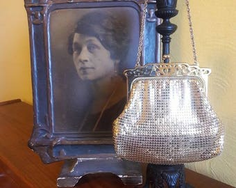 Art Deco Whiting & Davis, Gold Mesh Handbag - With reticulated detail - 1930's - VG Condition -