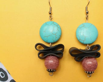 Licorice and berries (handmade earrings from recycled bicycle inner tube and beads)