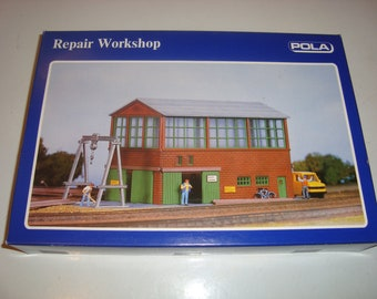 Pola Werkhalle HO scale # 11623 Repair Workshop