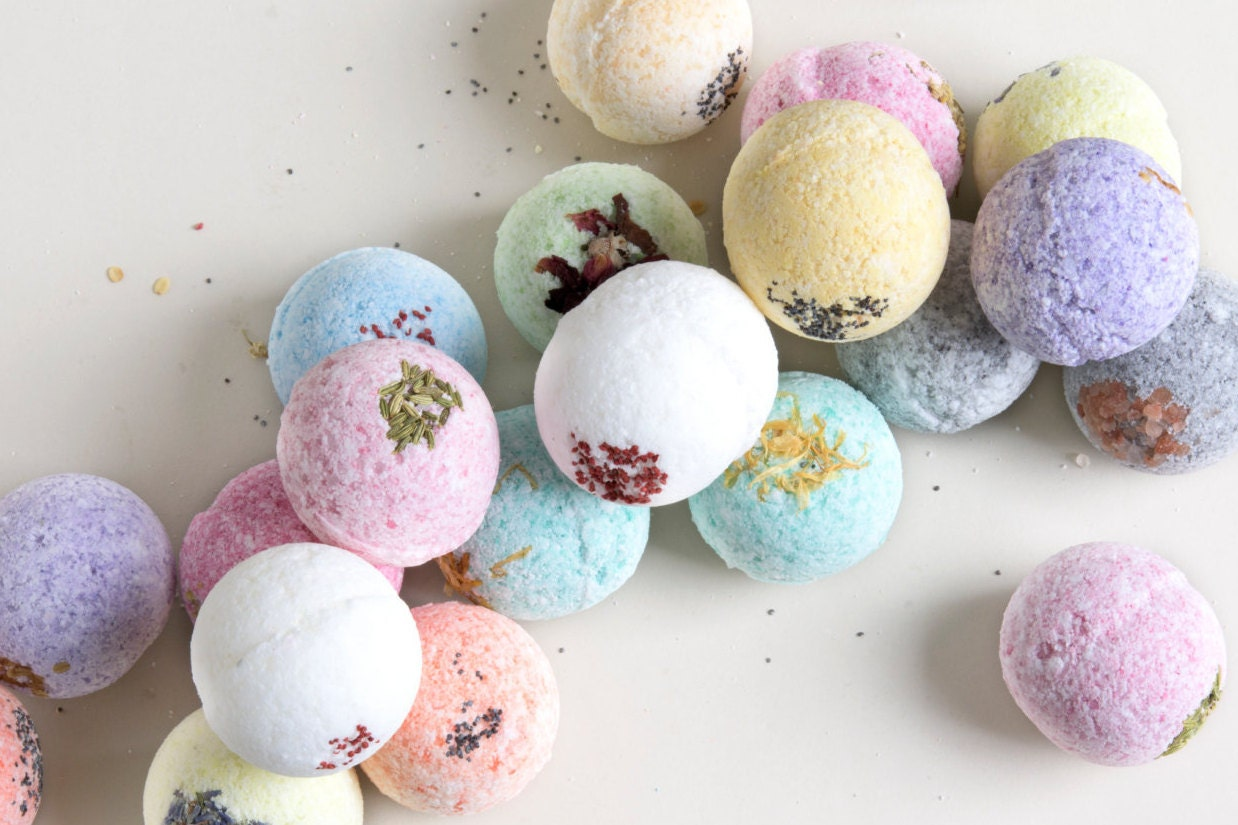 bath bombs.  zoom Bath Bombs set of 4 Bomb for Valentines day