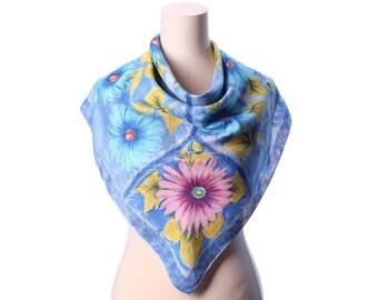 Daisy Silk Scarf 80s Beautiful Blue Neck Scarf PINK DAISY Printed Bold Flowers Print Formal Secretary Hand Rolled Vivid Shawl Gift
