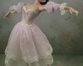 1:12th scale Dollhouse Miniature Porcelain Ballerina ** Angelique ** by Terri Davis