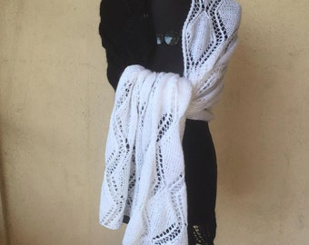 Hand-white black knitted stole