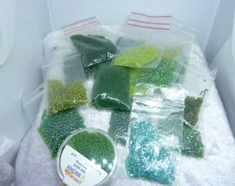 148 gr green seed beads