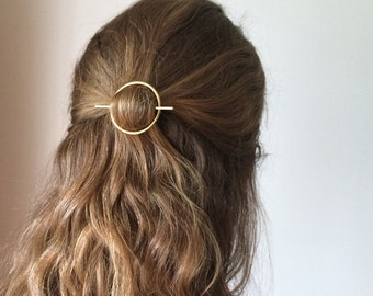 Minimalist gold hair accessories - brass hair clip - round barrette - hair pin - gold hair slide - geometric hair clip