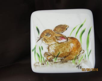 White: small rabbit porcelain