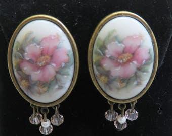 Vintage 1960s Handpainted Porcelain  Clip Earrings