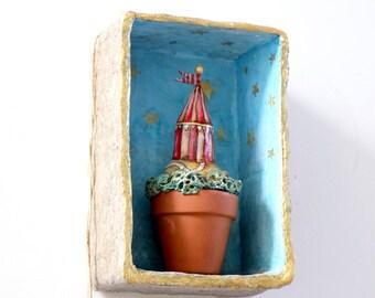 Flowerpot Circus   Miniature   Diorama   Circus in a box