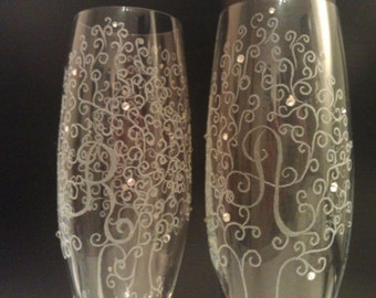 Personalized etched glasses, wedding gift, Nature lover wedding glasses, etched wine glass, Etched champagne flutes, engraved flutes tree