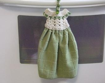 Hanging Towel - Kitchen Towels - Green Kitchen Towel -  Crochet Towel Topper - Towel Topper - Hanging Kitchen Towels - Housewarming Gift