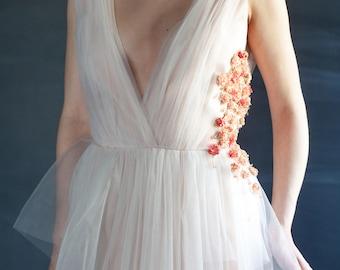 Non-traditional Wedding Dress Peach Wedding Dress Bridal Gown Wedding Dress With Flowers Wedding Dress Prom Dress Evening Dress