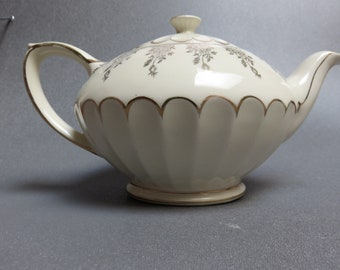 Sadler cream gold scalloped thumbprint Oval teapot + lid gold floral Rare 2476