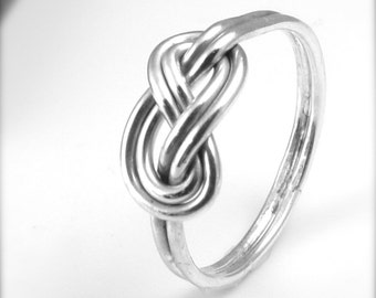 Sterling Silver Celtic Knot Ring / Endless Knot / Ring / Figure 8 Ring / Infinity Ring / Love Knot / Alternative Wedding Ring