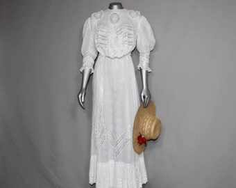 Beautiful Edwardian 2 pc  White Lawn Outfit  Museums Collectors