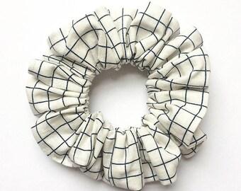 Grid Scrunchie