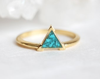 Chrushed turquoise ring, gold turquoise ring, Trillion turquoise ring, yellow gold turquoise ring, triangle ring, geometric ring