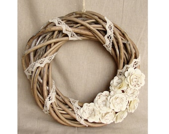 Crown wood interlaced, flowers and lace