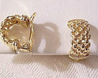 Open Square Box Lattice Half Hoop Clip On Earrings Gold Tone Vintage Domed Round Open Basketweave Slotted Wide Band