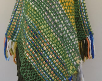 HandWoven Poncho/Wrapping shawl/women/fleece wooven poncho/hand knit/green wooven poncho/blue/orange/sueter/chunky fleece