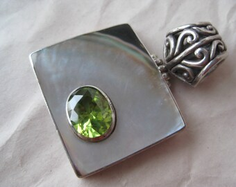 Peridot Green MOP Sterling Pendant Silver Stone Filigree Vintage 925 Mother of Pearl