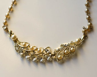 Pearl and Rhinestone Necklace Vintage Bridal Necklace Faux Pearls