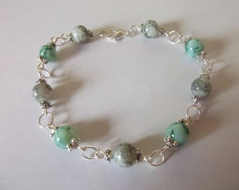 Marbled green and Black Glass Beads Bracelet