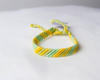 Friendship bracelet 53b - Pastel collection