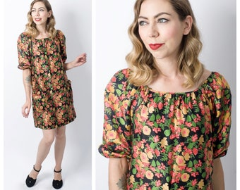 Vintage 1960's Floral Print Shift Dress with Pockets/ 60's Mod Flower Mini Dress Size X-Small to Medium