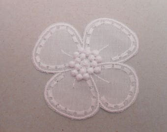 White embroidered flower cotton 5.5 cm