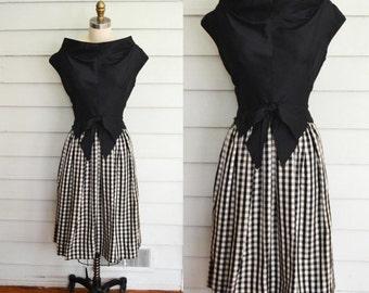 Vintage 1950s taffeta party dress / Wilson Folmar / Medium vintage 1950s dress/ black and gingham formal dress/ vintage party dress with bow